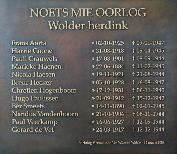 Originele bronzen plaquette Wolderse oorlogsslachtoffers